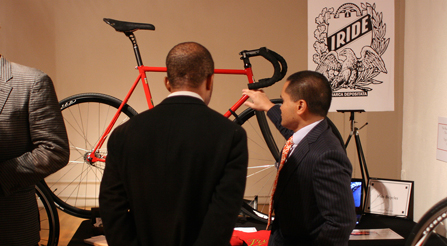 Photo of Show-booth-for-IRIDE-bicycles-Discussion of characteristics.-city